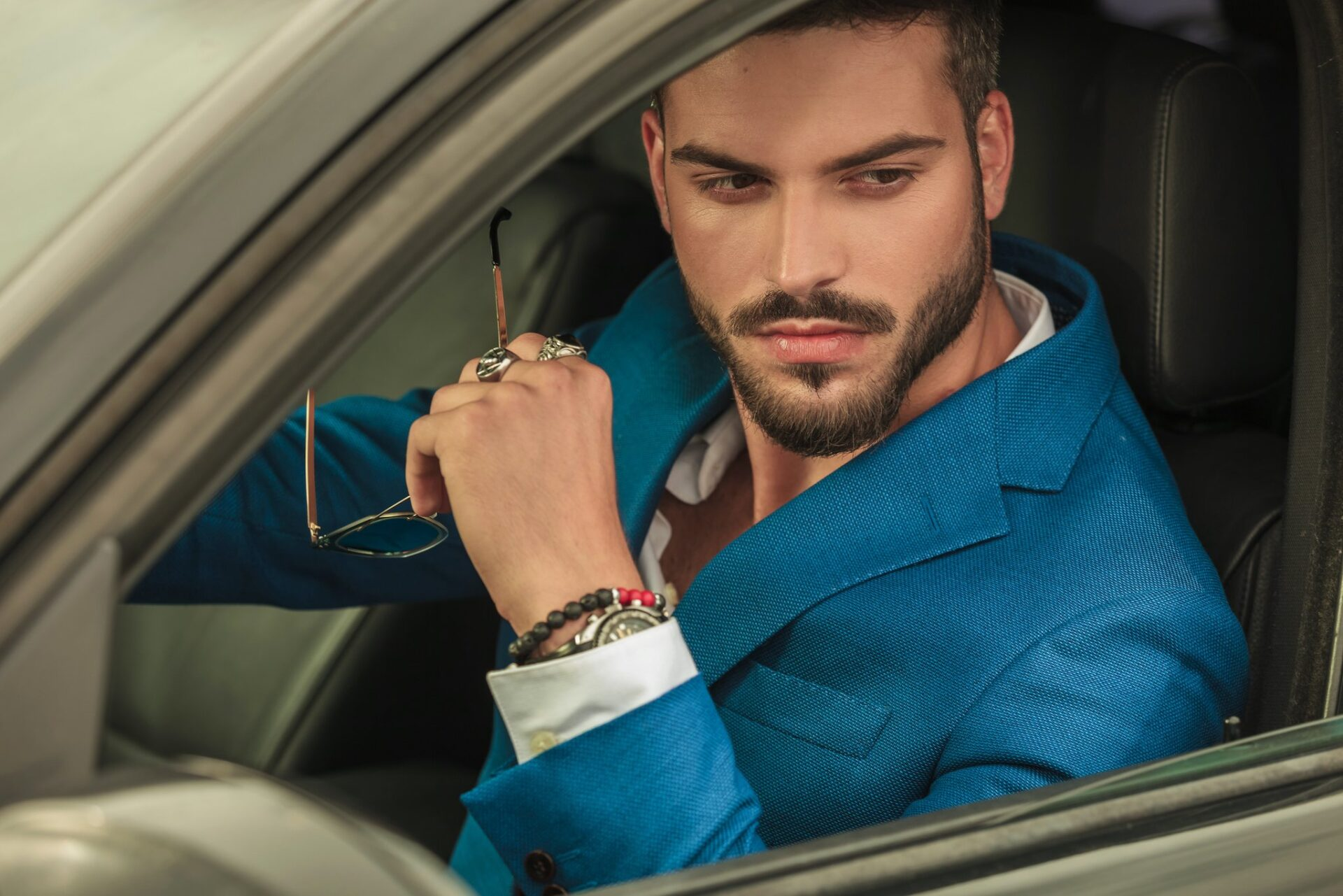 30 Men's Jewelry Brands Advertising Examples & Ideas in 2021